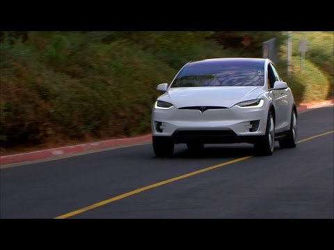 Car Tech – Tesla Model X: First drive of the all-electric SUV