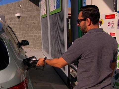 CNET On Cars – Car Tech 101: Another kind of electric car: Hydrogen fuel cell