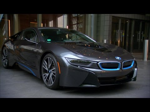 Lacking mirrors, BMW i8 gives clear rear views