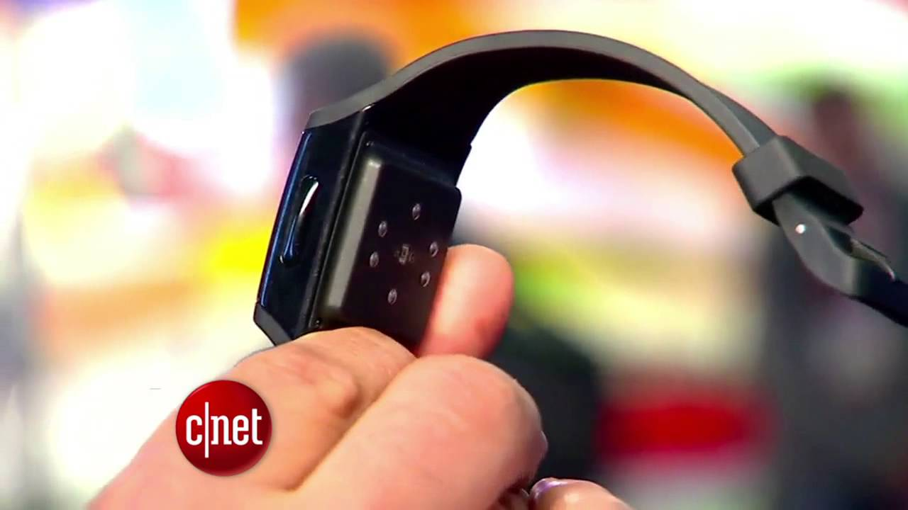 CNET Update – Wearable tech takes CES 2013 by storm