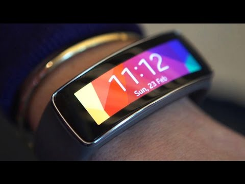 Samsung's Gear Fit 2 packs GPS, onboard music storage
