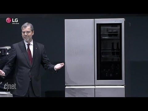 CNET News – LG's new smart fridge automatically opens door sans hands
