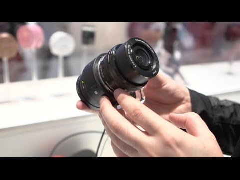 Hands-on with Sony's powerful new lens camera