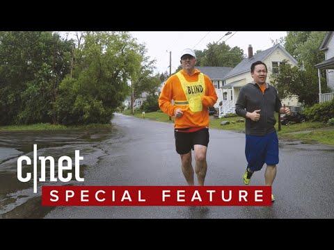 Blind marathon runner gets guidance from smart glasses