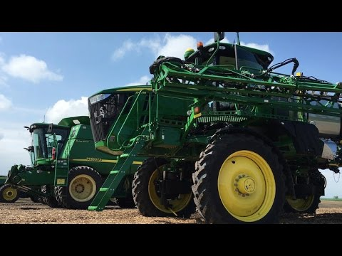 Self-driving tractors sow the seeds for high-tech farming (CNET News)