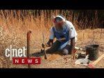 Solving Angola's land mine crisis (CNET News)