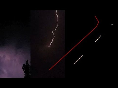 Bright UFO appears after lightning strike over Hastings, Nebraska