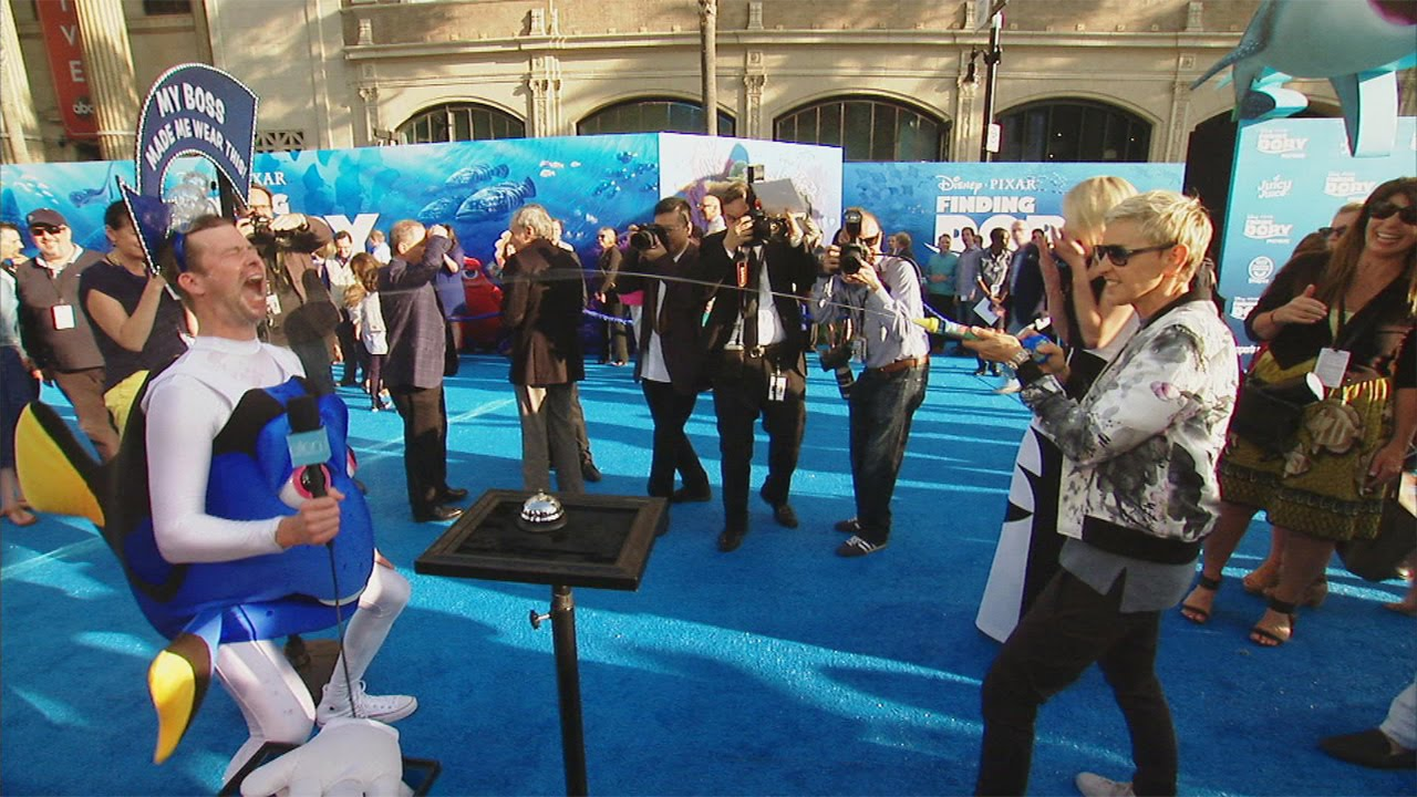 Fun from the 'Finding Dory' Blue Carpet