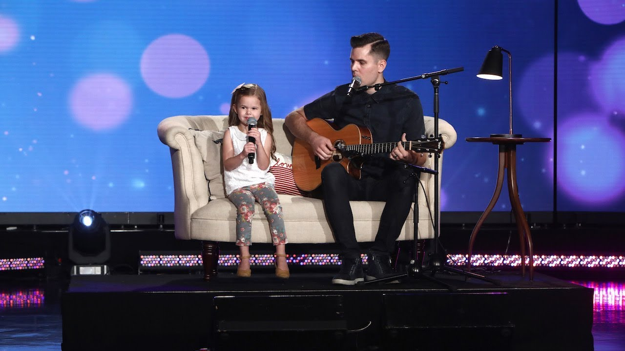 "Claire and Dave Crosby Soar with 'A Whole New World' Father-daughter duo Claire and Dave Crosby are back on Ellen to sing the classic Disney song ""A Whole New World."""