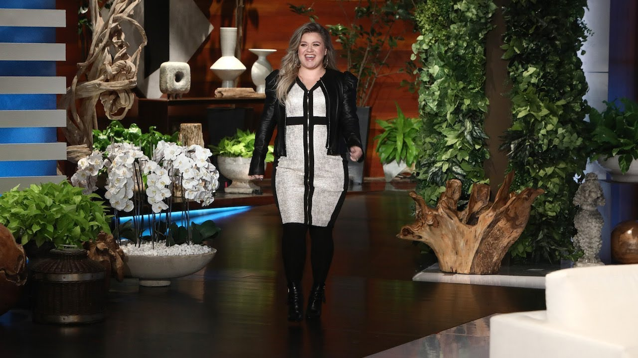 Kelly Clarkson Talks Choosing 'The Voice' Over 'American Idol'