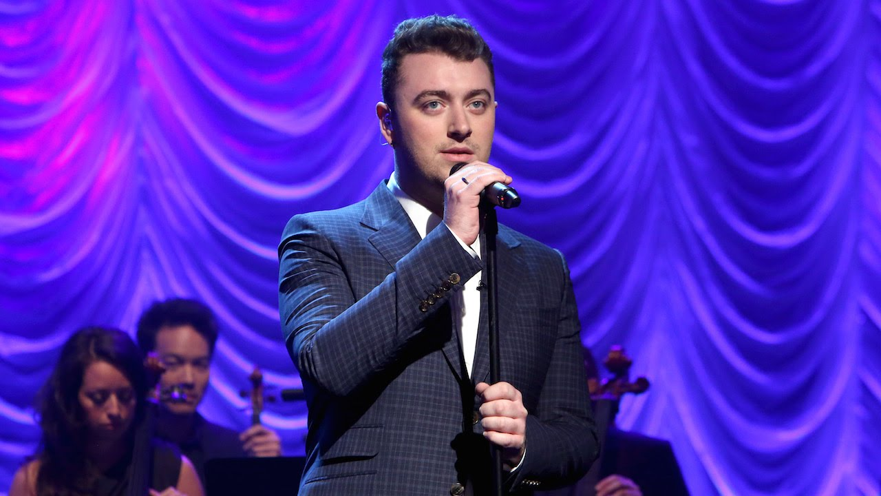 Sam Smith Performs 'Lay Me Down'