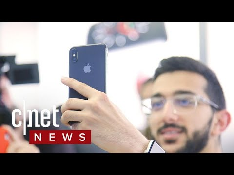 iPhone X launches around the world (CNET News)