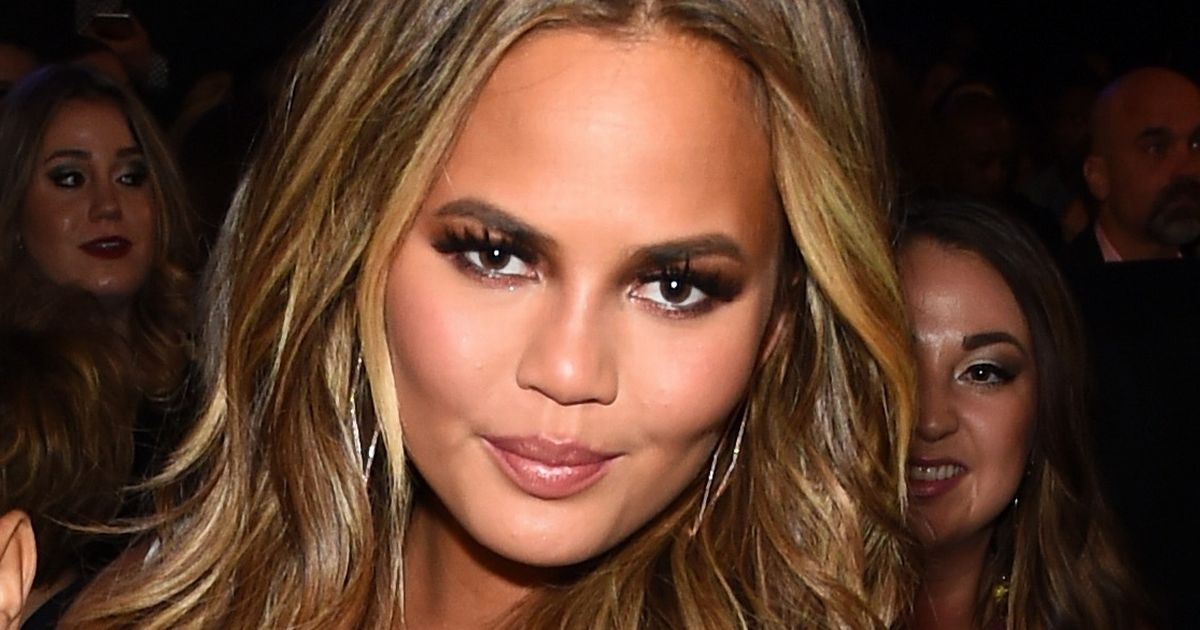 Chrissy Teigen shares funny video of Luna explaining what happened on her first day at sch…