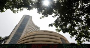 D-Street Buzz: IT, pharma stocks gain on weak rupee led by Infosys, Dr Reddy's Labs; Infos...