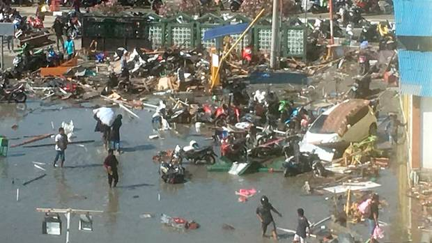 Indonesia tsunami: food and water run out as death toll tops 1,200 | World news