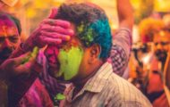 Holi 2019 Prank Videos: Funny Ways You Can Have Fun and Trick People For the Festival of Colours