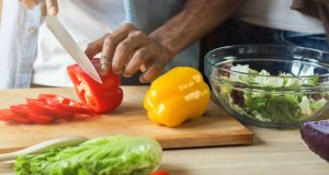 Heart health: Focus on healthful foods rather than diet type - Medical News Today