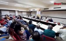 An interesting story telling session held in Bhopal - Times of India