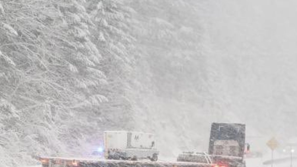 Highway 58 snow makes travel over Cascades 'very messy' - nbc16.com
