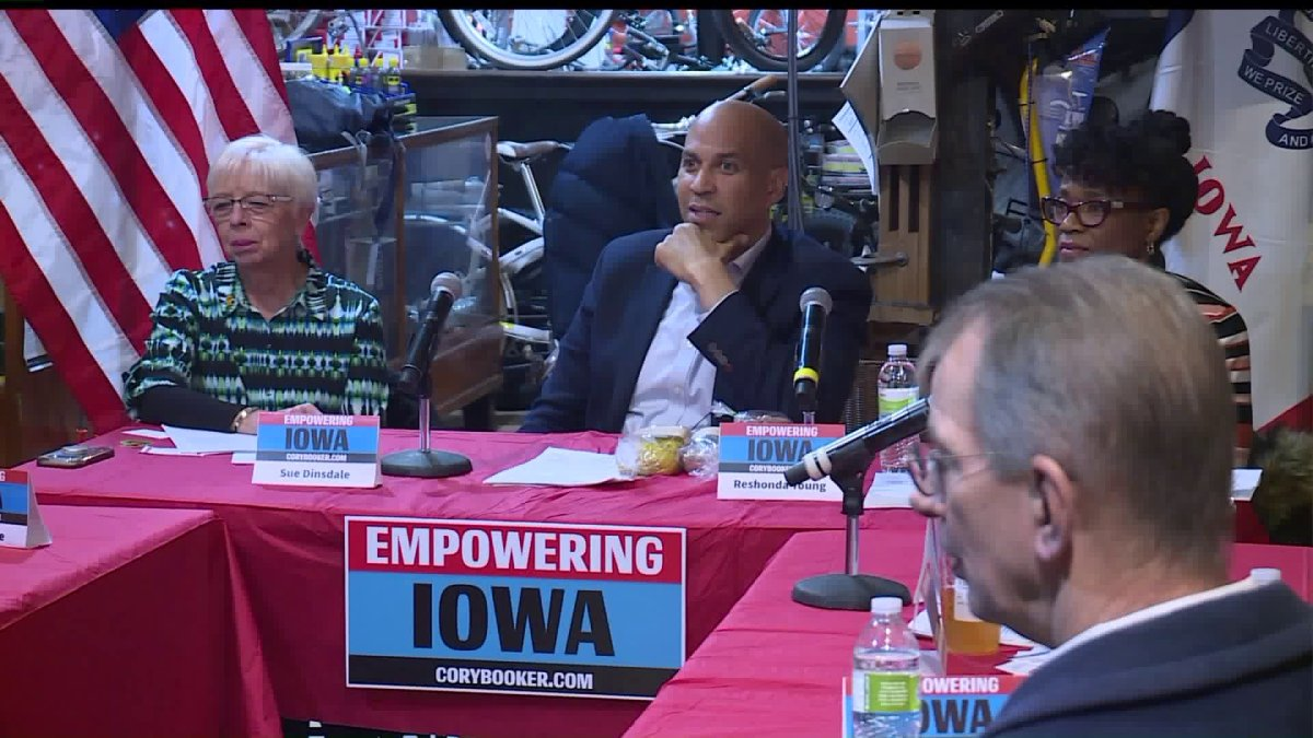 Presidential Candidate Cory Booker Takes Small Business Tour in Des Moines