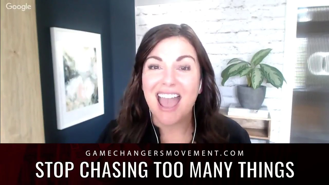 Peter Voogd Interviews Amy Porterfield On How to Master Social Media & Build a Real Brand