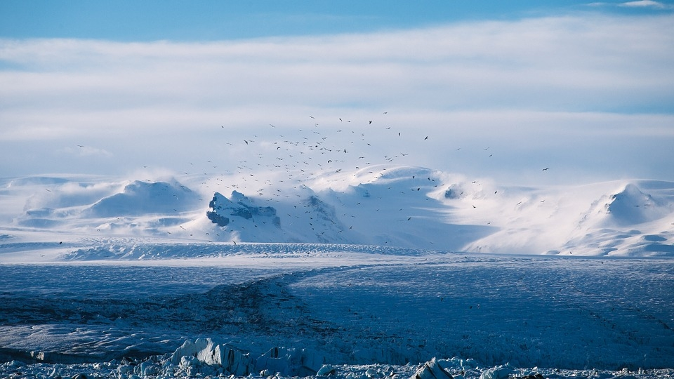 Antarctica: Ice dropped down a borehole creates an interesting sound
